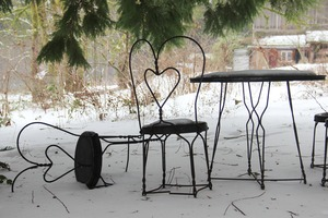 Valentine snow chairs 2